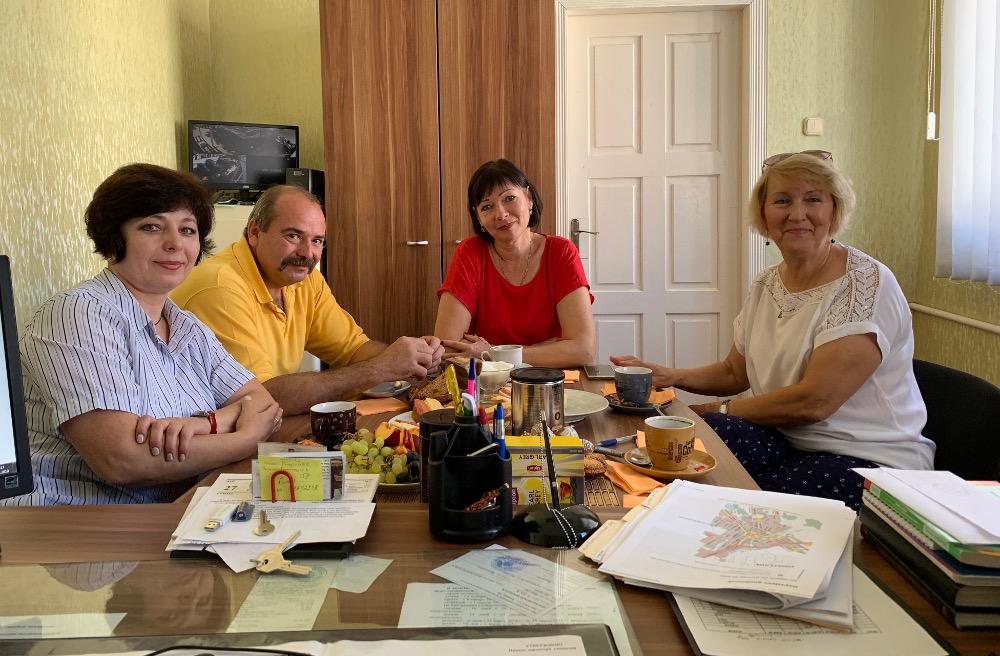 Zhanna Nagovonskaya, V.V. Ishutin, Elena Radomskaya, and Aldona Shapiro